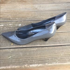 Nine West 1 inch heels size 7.5 grey